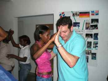 IIC Santo Domingo Activities Dancing at IIC_UIUC