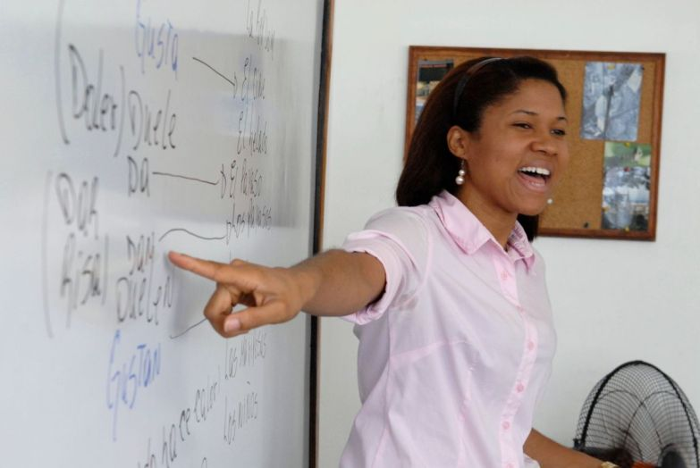 IIC Santo Domingo School Teaching indoors spanish