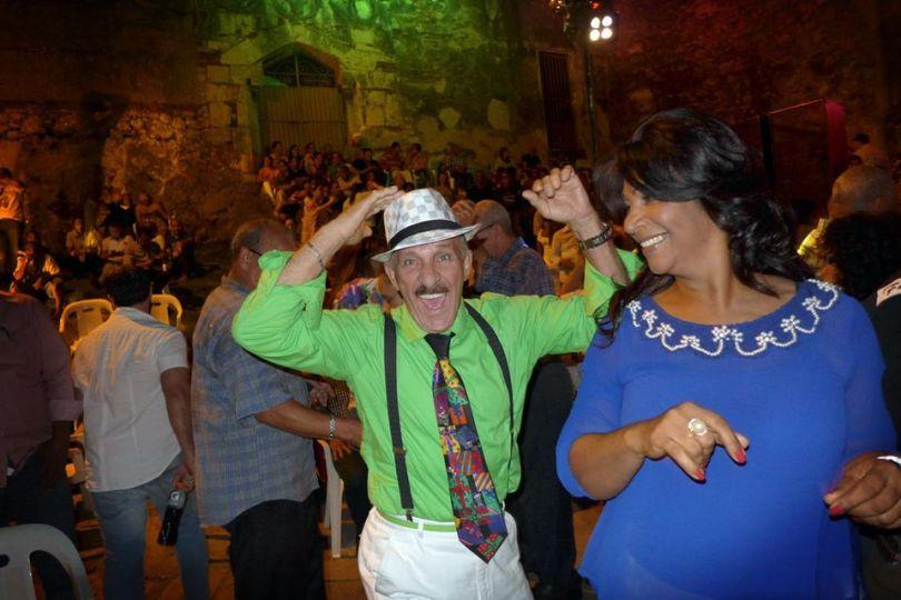 Dancing Las Ruinas
