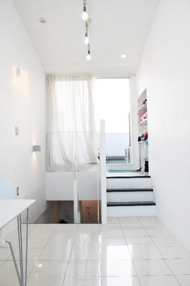 白い家具の黄ばみやベッドのシミを落とす方法とは?