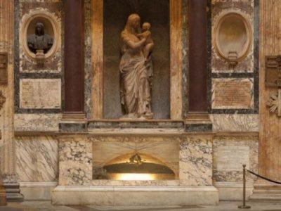 パンテオン(ローマ)ラファエッロの墓