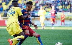 eric-bailly-of-villarreal-and-neymar-of-barcelona