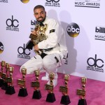 [E!News] : Full list of winners from the Billboard Music Awards 2017