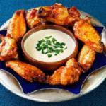 Острые крылья куриные жареные в духовке.