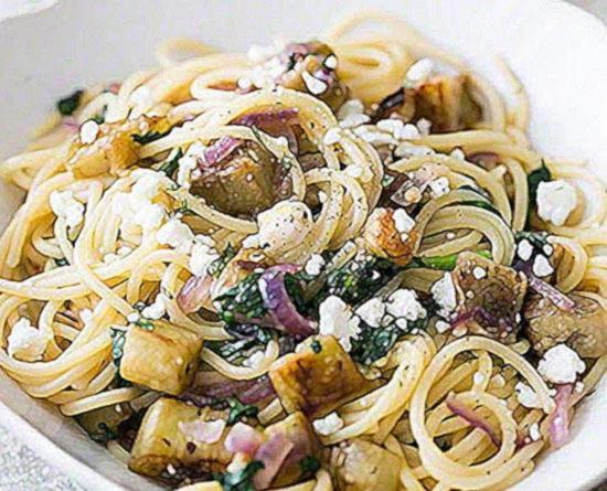 Паста с баклажанами по итальянски с сыром Фета и свежей мятой пошаговай рецепт с фото