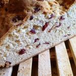 Содовый хлеб с сушеной клюквой