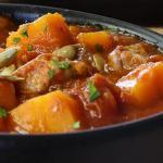 Тушеная свинина с тыквой на сковороде — зимнее рагу из тушеной свинины острого перца и тыквы