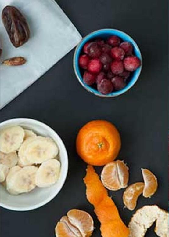 poshagovyj recept kak sdelat smuzi iz klyukvy banana i mandarinov