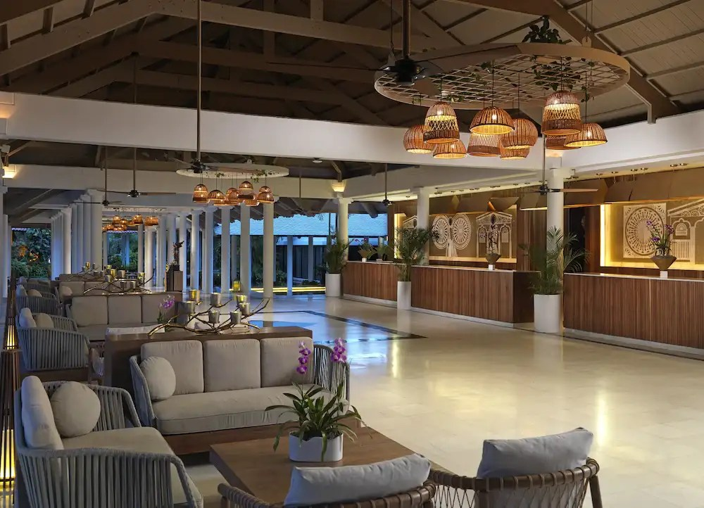 This punta cana hotel has over a dozen restaurants to choose from so couples will have a wide variety of international dining experiences during their stay. Melia Caribe Beach Resort All Inclusive Higueey The Best Price Only In Traveloka