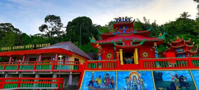 11 Tujuan Wisata Religi Di Indonesia Favorit Untuk Kamu Kunjungi