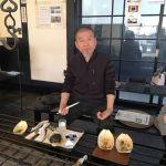 炭鳥 筏の外観が気になって、通り過ぎて戻って来て下さったお客様ですお話ししているうちに店主の出身大学の先輩という事が分かり、色々なお話を聞かせて頂きました偶然の出逢いに感謝です🤗ご来店ありがとうございました#蔵 #筏 #ikada #japan #Tokyo #mitake #御岳 #御岳山 #mitakesan #御岳山ロックガーデン #武蔵御嶽神社 #多摩川 #御岳渓谷 #奥多摩 #ブドウ山椒 #おにぎり#tasty #バイク #ロードバイク #デッドエンド #ジムニー #ja22 #ペット可