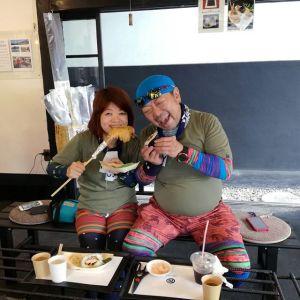 #大岳山 に登った帰りに、遅めのお昼ごはんに来て下さったご夫婦です🏔️ よく炭鳥ikadaの前を通っていて気になってらしたそうで「今日やっと来られました」と言って下さいました🤗ペアルック、とてもお似合いですね ご来店ありがとうございました️http://ikadamitake.com 営業時間11~17時(夏季)木曜定休(祭日は営業)#炭鳥 #蔵 #筏 #ikada #mitake #tokyo #御岳 #御岳山 #mitakesan #御岳山ロックガーデン #武蔵御嶽神社 #多摩川 #御岳渓谷 #御岳ランチ #奥多摩フィッシングセンター #奥多摩 #ブドウ山椒 #おにぎり #味玉 #バイク #ロードバイク #カヌー #カヤック #リバーSUP #アルパインクライミング #デッドエンド #ジムニー #ペット可