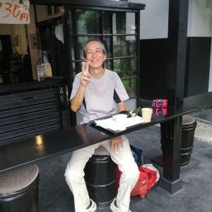 リピーターのお客様です🏍️#hondact110 で、小平市から長野県川上村の #廻り目平キャンプ場 へ行って、2泊の #ソロキャンプ をなさった帰りにお立ち寄り下さいました🤗 「持ち帰ったゴミもくくりつけてあるのでお恥ずかしい」と仰いながらも、快くバイクのpicも撮らせて下さいました毎度ご来店ありがとうございますhttp://ikadamitake.com 営業時間11~17時(夏季)木曜定休(祭日は営業)※むかし鳥、ばくだんは数に限りがございます。1個からお取り置き致します♪Tel.0428-85-8726#炭鳥 #蔵 #筏 #ikada #むかし鳥 #mitake #tokyo #御岳 #御岳山 #御岳山ロックガーデン #武蔵御嶽神社 #多摩川 #御岳渓谷 #御岳ランチ #奥多摩フィッシングセンター #奥多摩 #日原鍾乳洞 #味玉 #バイク #ロードバイク #カヌー #カヤック #リバーSUP #ラフティング #デッドエンド #ペット可