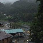 """裏から見た、今日の奥多摩フィッシングセンター炭鳥ikadaの下、多摩川にありますpicだと見えませんが、雨の中でも釣りを楽しむ方々がいました🤗車の入り口は対岸にあります""""御岳美術館""""で検索なさって下さい。車で渡れる橋がかかっています🏞️ http://ikadamitake.com営業時間11~17時(夏季)木曜定休(祭日は営業)※むかし鳥、ばくだんは数に限りがございます。1個からお取り置き致します♪Tel.0428-85-8726#炭鳥 #蔵 #筏 #ikada #むかし鳥 #mitake #tokyo #御岳 #御岳山 #御岳山ロックガーデン #武蔵御嶽神社 #多摩川 #御岳渓谷 #御岳ランチ #奥多摩フィッシングセンター #奥多摩 #日原鍾乳洞 #味玉 #バイク #ロードバイク #カヌー #カヤック #リバーSUP #ラフティング #デッドエンド #ペット可"""
