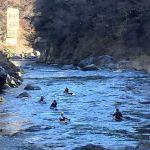 今朝9時過ぎの、杣の小橋〜御岳橋の間でのpic🏞️ リバースポーツが好きな皆さんには、季節は関係ないのですね🤗水面とともに、彼らが輝いて見えましたhttp://ikadamitake.com営業時間・4月〜12月 11〜17時  1月〜  3月 11〜16時金曜定休(祭日は営業)※むかし鳥、ばくだんは数に限りがございます。1個からお取り置き致します♪Tel.0428-85-8726#むかし鳥 #炭鳥ikada #ばくだん #mitake #tokyo #御岳 #御嶽駅 #御岳山 #武蔵御嶽神社 #多摩川 #御岳渓谷 #東京アドベンチャーライン #御岳ランチ #奥多摩フィッシングセンター #奥多摩 #日原鍾乳洞 #okutama #バイク #ロードバイク #カヌー #カヤック #riversup  #デッドエンド #ペット可