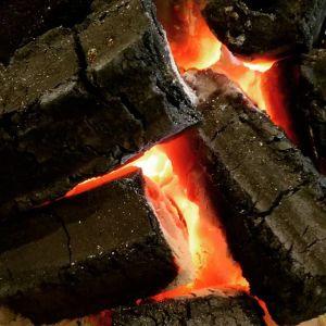 一歩店内に入ると、温かい炭火で体も心も緩みます🤗http://ikadamitake.com 営業時間 1月から3月  11~16時  4月から12月 11~17時金曜定休(祭日は営業)※むかし鳥、ばくだんは数に限りがございます。1個からお取り置き致します♪Tel.0428-85-8726#むかし鳥 #体験型 #炭鳥ikada #ばくだん #mitake #tokyo #御岳 #御岳山 #御岳山ロックガーデン #武蔵御嶽神社 #御岳神社 #多摩川 #御岳渓谷 #東京アドベンチャーライン #御岳ランチ #奥多摩フィッシングセンター #奥多摩 #日原鍾乳洞 #味玉 #串 #バイク #ロードバイク #カヌー #カヤック #リバーSUP #デッドエンド #ペット可 #炭火