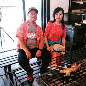 神奈川県相模原市からお越しの、リピーターのご夫婦です昨年の今頃、お子さんを #奥多摩福音の家 での #キャンプ に送って行かれた帰りに当店でお昼ごはんにして下さり、嬉しい事に今年も同じ様にお越し下さいました🤗🥚又のお越しを、楽しみにお待ちしております毎度ご来店ありがとうございます🏞️http://ikadamitake.com営業時間・4月〜12月 11〜17時1月〜3月 11〜16時金曜定休(祭日は営業)※むかし鳥、ばくだんは数に限りがございます。1個からお取り置き致します♪Tel.0428-85-8726#むかし鳥 #体験型 #炭鳥ikada #ばくだん #mitake #御岳 #御嶽駅 #御岳山 #御岳山ロックガーデン #武蔵御嶽神社 #御岳神社 #御岳渓谷 #御岳ランチ #奥多摩フィッシングセンター #奥多摩 #日原鍾乳洞 #奥多摩湖 #バイク #ロードバイク #サイクリング #カヌー #カヤック #ラフティング #riversup #御岳ボルダー #ペット可