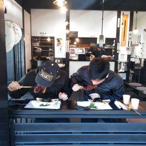 神奈川県川崎市からカワサキのバイクに乗ってお越しの2名様です🏍️🏍️早出なさって #奥多摩ツーリング の帰りに、お昼ごはんにお立ち寄り下さいました🥚ツーリングの時は、いつも道中にあるお店を調べて、ランチの場所などを予めお決めになるのだそうです炭鳥ikadaをお選び頂き感謝です🤗ご来店ありがとうございましたhttp://ikadamitake.com営業時間・4月〜12月 11〜17時1月〜3月 11〜16時金曜定休(祭日は営業)Tel.0428-85-8726#むかし鳥 #体験型 #炭鳥ikada #ばくだん #mitake #御岳 #御嶽駅 #御岳山 #武蔵御嶽神社  #御岳渓谷 #御岳ランチ #奥多摩  #奥多摩湖 #バイク #ツーリング #ライダー #rider  #ロードバイク  #カヌー #カヤック #ラフティング #riversup #御岳ボルダー #ペット可 #kawasaki  #kawasakizzr400 #kawasakizzr #kawasakininja250 #kawasakininja
