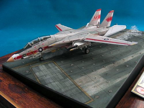 Revell 144 F-14A Tomcat front