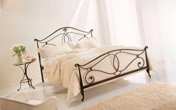 Фото кованных кроватей – двуспальные и односпальные с ...