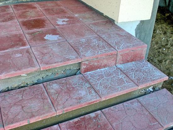 Крыльцо из тротуарной плитки в частном доме фото – Отделка ...