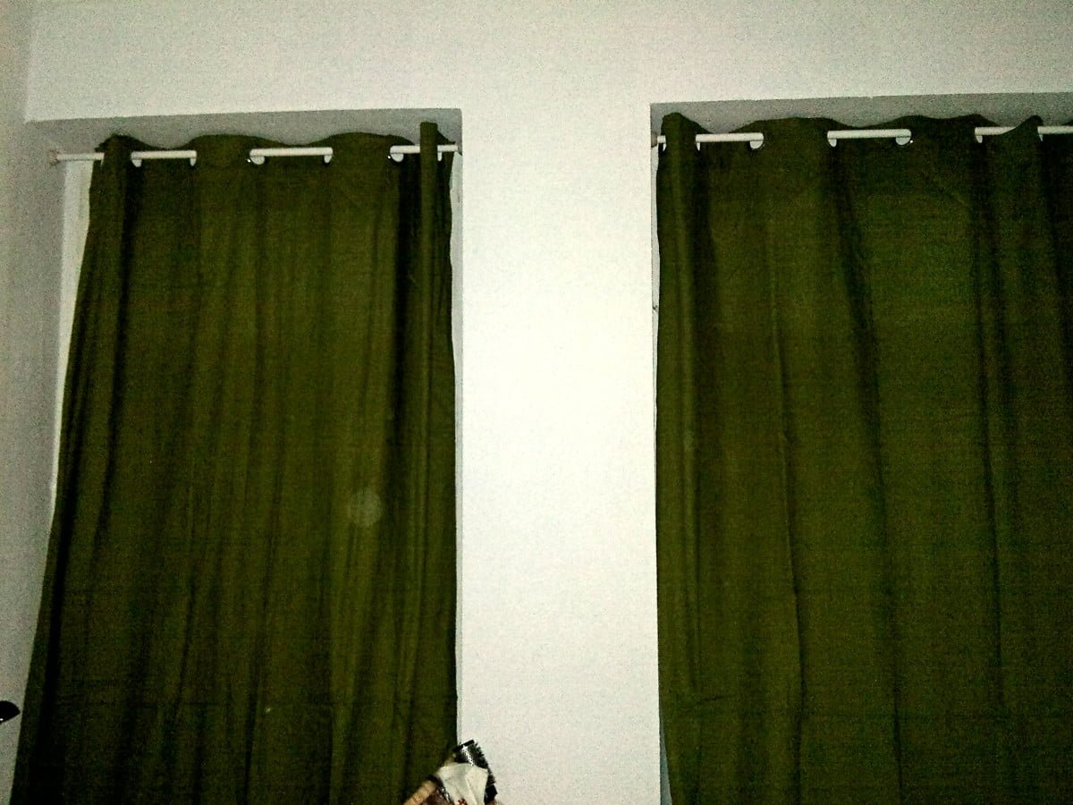 hanging curtains without drilling with