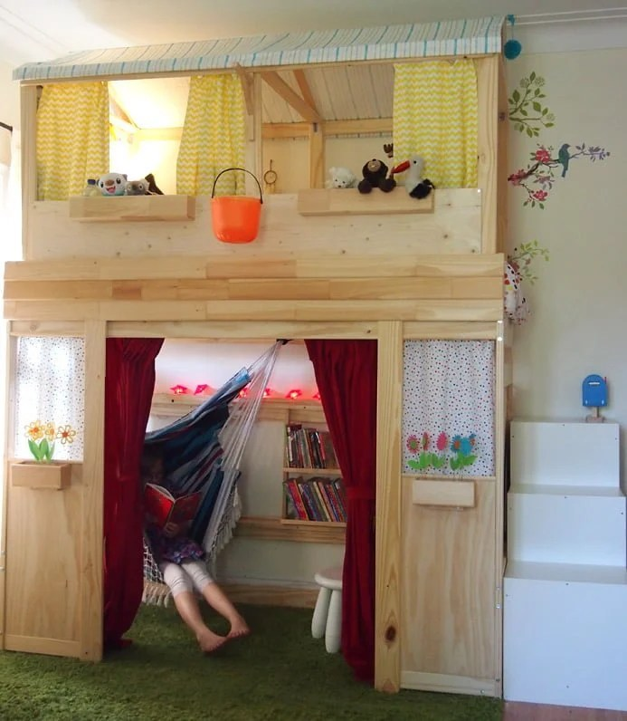 Perfect A reading nook playhouse