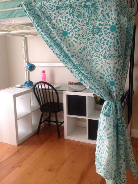 Dressing area under TROMSO loft bed