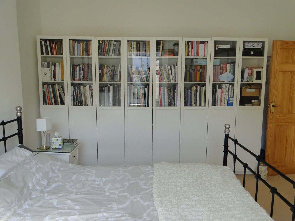 styling the ikea billy bookcases oxberg glass doors ikea. Black Bedroom Furniture Sets. Home Design Ideas