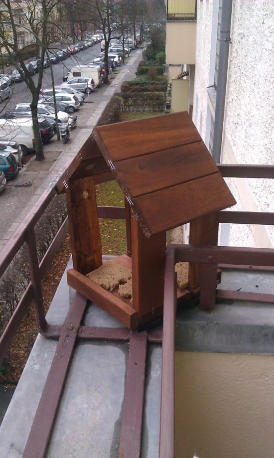runnen bird feeding house ikea hackers. Black Bedroom Furniture Sets. Home Design Ideas