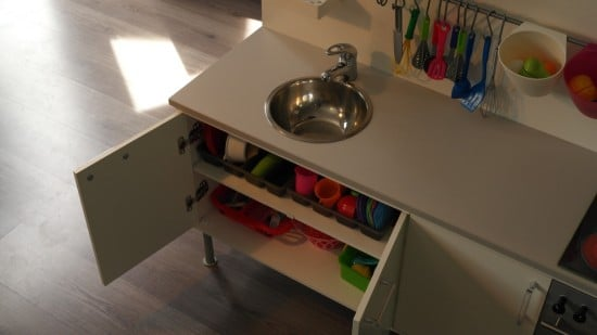 The stainless steel sink