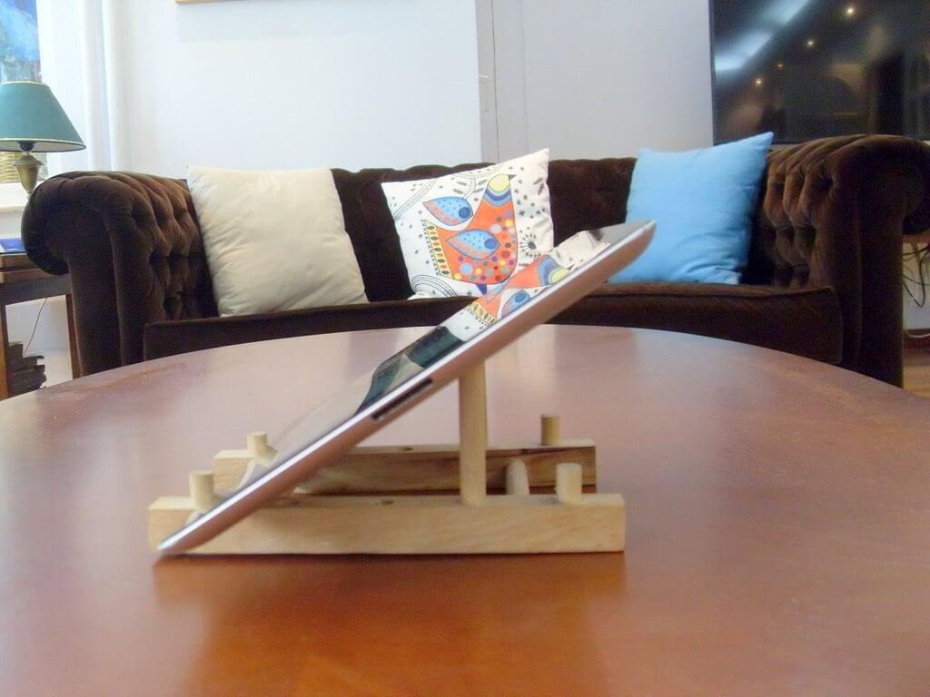 ikea-ostbit-ipad-stand-wood-2