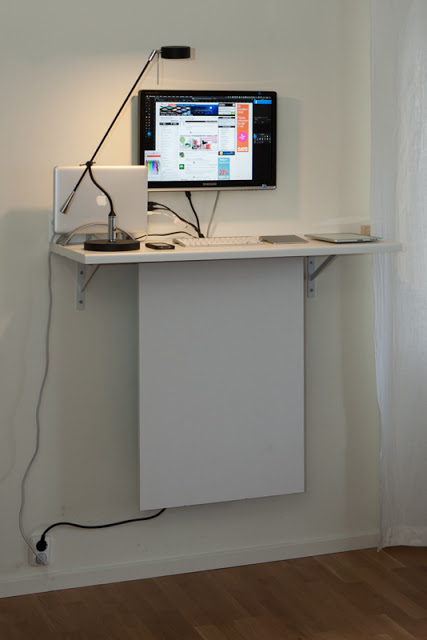 """Standing desk with """"invisible"""" data storage - IKEA Hackers"""