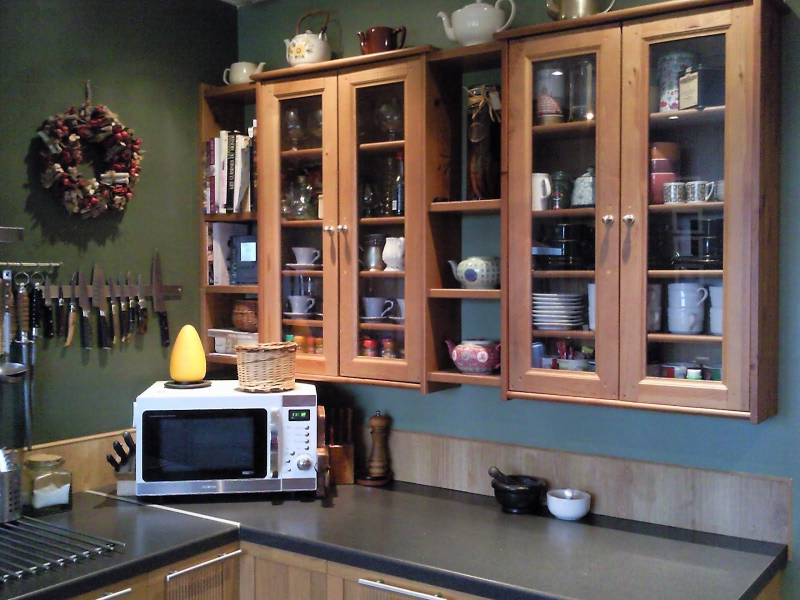 Leksvik pine cd cabinets and ikea pine shelves kitchen for Pentole induzione ikea