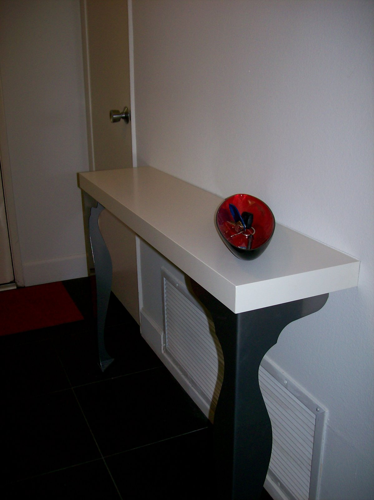 Make a slim and sexy entry way table ikea hackers - Consola recibidor ikea ...