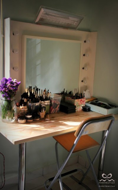 Simple Stylish Vanity Table Ikea Hackers