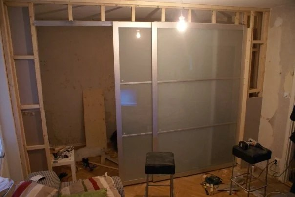 Turn Your Studio Apartment Into A 1 Bedroom With Pax Ikea Hackers