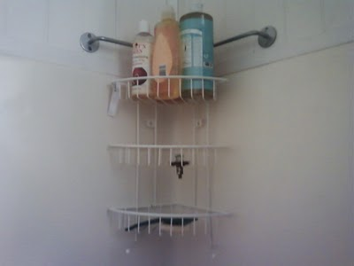 Materials: Bygel Rail, Blanken Shower Shelf, Bygel Metal U201cSu201d Hooks