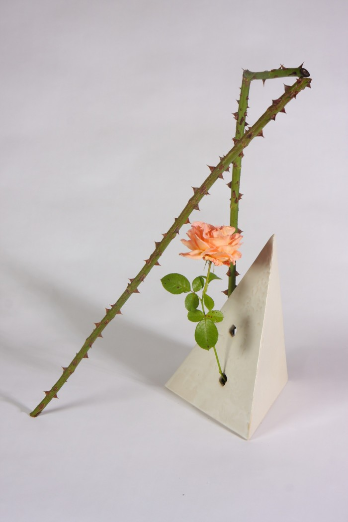 Ikebana by Ekaterina Seehaus. Rose, Geometric Form and Straight Lines. Sogetsu School of Ikebana. www.IkebanaWeb.com