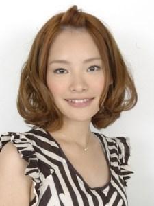 スーツ 女性 髪型、2