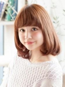 秋 ミディアム 髪型 レディース 人気