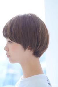 秋 ショート 髪型 レディース 人気