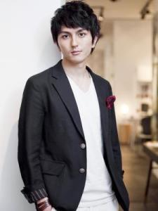 春 髪型 メンズ 人気 ショート ミディアム 7