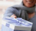 ホワイトデーのプレゼントの渡し方!本命に渡す時の言葉や場所は?