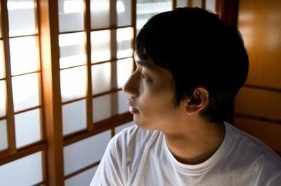 s-26NJ_washitukarasotowomirudansei_TP_V1.jpg