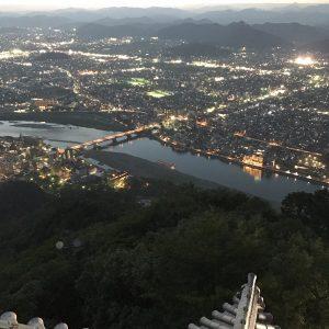 岐阜城の夜景 夕暮れ時