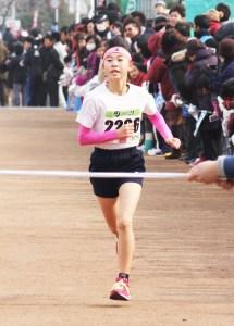 マラソン(2㌔小学6年生女子・末永恋菜さん)