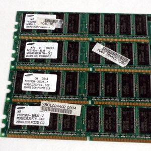 4 ADET SAMSUNG 256MB DDR PC3200 333MHz M368L3223FTN-CCC