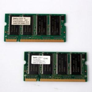 2x Hynix Laptop Memory 2x256=512 266MHz DDR PC2100S HYMD232M646A6-H