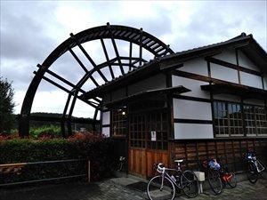 巨大水車が蕎麦を挽く 道の駅東山道伊王野 バリアフリー情報